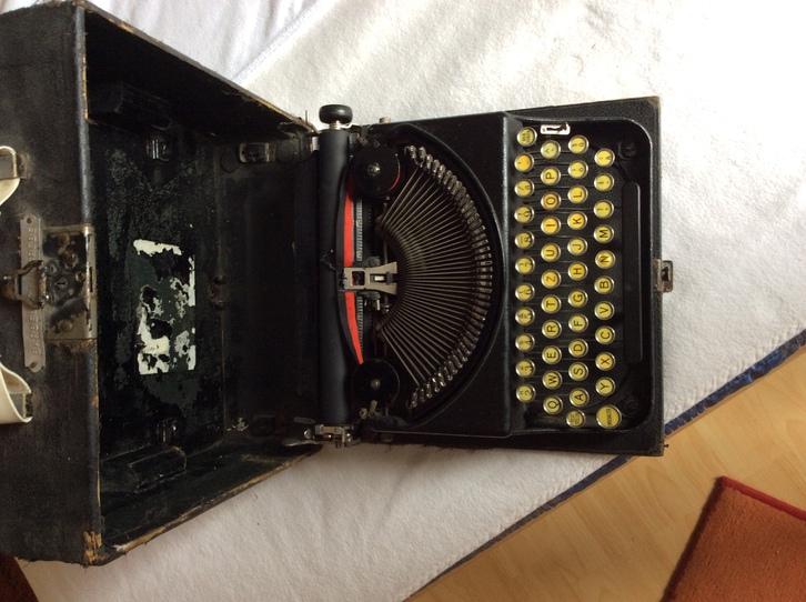 antike Koffer Schreibmaschine  Antiquitaeten