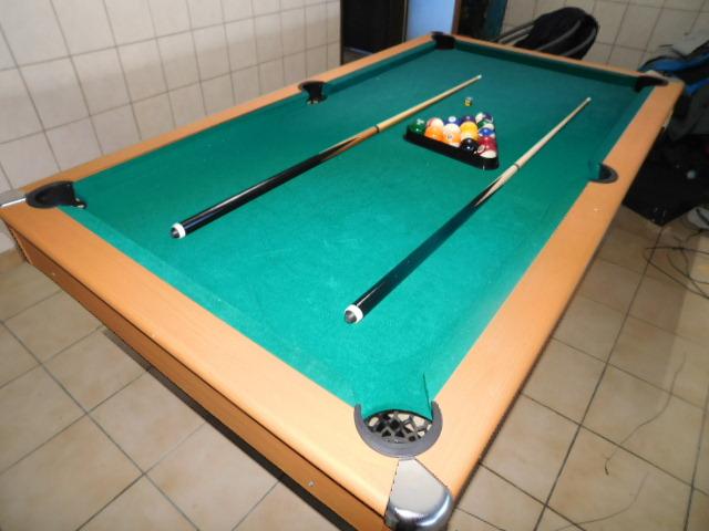 Billardtisch,Dreieck mit Kugeln 2 Koes sehr guter Zustand Sport & Outdoor