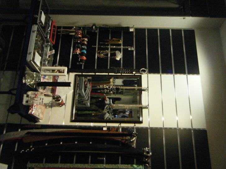 Ladeneinrichtung best. aus Paneeleplatten ca -,61x2,40 Büro & Gewerbe 2