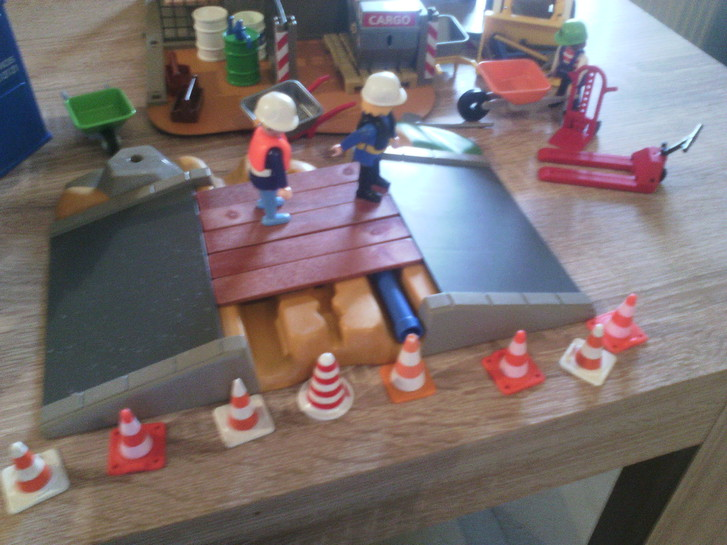 Playmobil Baustelle Spielzeuge & Basteln 2