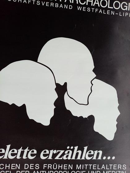 Plakat zur Ausstellung 1983 Münster  Skelette Skulls Antiquitaeten
