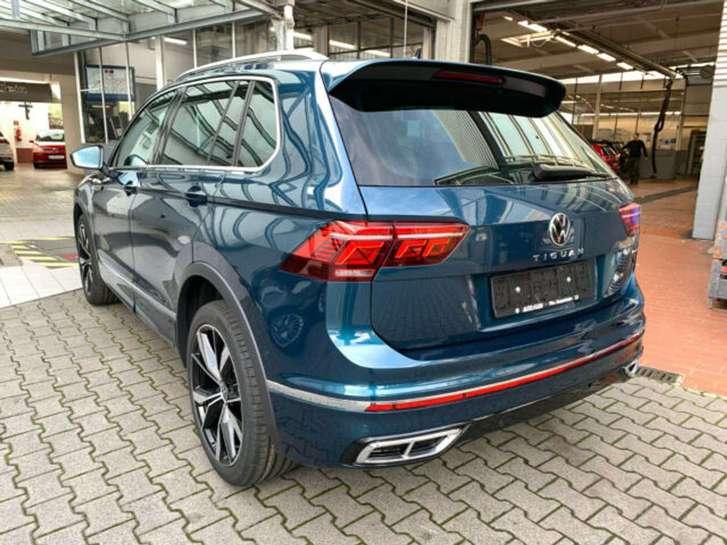 Volkswagen Tiguan R-Line 2.0 TDI 4MOTION DSG Fahrzeuge 2