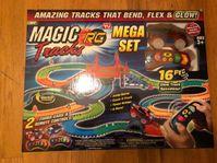 Magic Tracks RC Race Mega Set Ferngesteuertes Spielzeug Auto Glow leuchtet im Dunkeln biegbare Rennstrecke